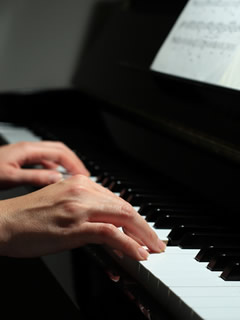 Piano, Contact - Contemporary Classical Music